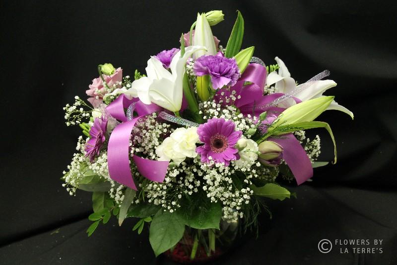 Garden Delight – Gathered Floral Handtied